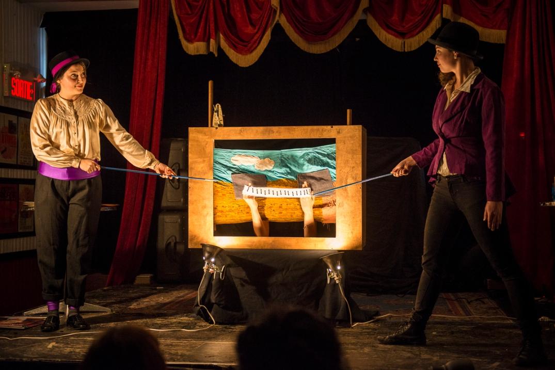 Twigs for Bones (Heather Caplap, Erin Hill, Joy Ross-Jones) at Café Concret #19, 2014. Photo by Caroline Hayeur.