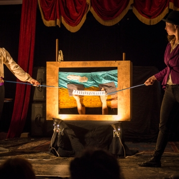 Twigs for Bones (Heather Caplap, Erin Hill, Joy Ross-Jones) at Café Concret #19, 2014. Photo by Caroline Hayeur.